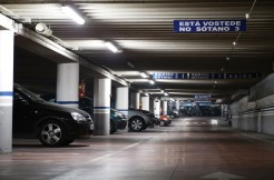parking-2478837_1920