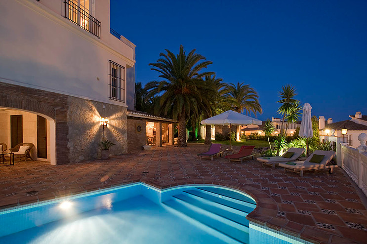 Luxury Cortijo / Hotel in Fuengirola