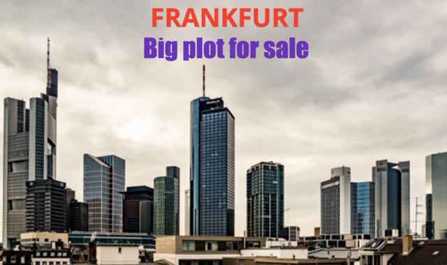 Plot in  FRANKFURT